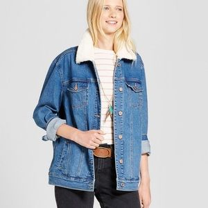 70s Style Denim Jacket with Faux Fur Collar